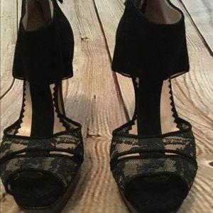 Oscar de la renta size 37 black heels